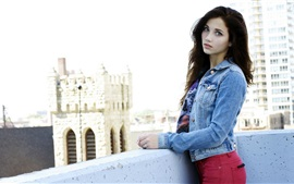 Preview wallpaper Emily Rudd 02