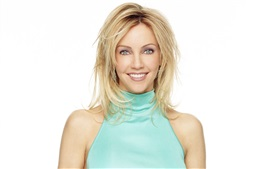 Preview wallpaper Heather Locklear 01