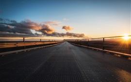 Утро, дорога, восход солнца