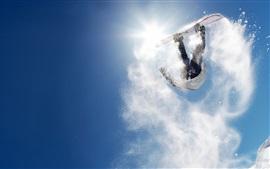 Snowboard voltereta hacia atrás, el chapoteo de la nieve