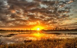 Закат, облака, трава, река
