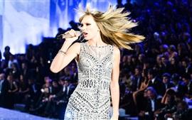 Taylor Swift 96