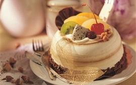 Sobremesa bolo, cereja, kiwi