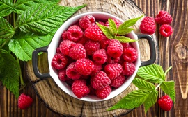Preview wallpaper Fresh red raspberries, fruit