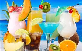 Фруктовые напитки, стеклянные чашки, киви, дыня, апельсин, кокос