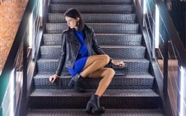 Aperçu fond d'écran Veste, girl, séance, escalier