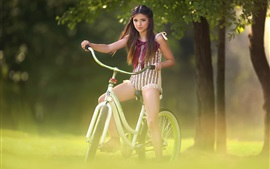 壁紙のプレビュー 素敵な少女乗馬用自転車