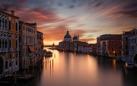 Preview wallpaper City, houses, Grand canal, evening, red sky, Venice, Italy