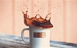 Copo de café, água esguicho