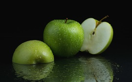 Green apples, water drops, fruit close-up