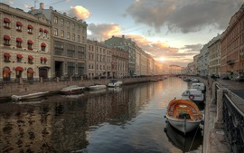 Preview wallpaper Leningrad, city, river, boats, houses, sunset, Russia