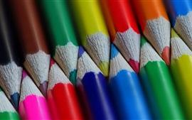Многие цветные карандаши