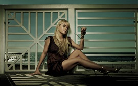 Preview wallpaper Taryn Manning 01