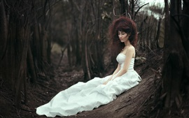 Preview wallpaper White skirt Asian bride lost in forest