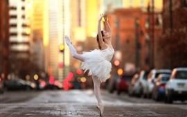 Aperçu fond d'écran Ballerine, danse de fille, rue