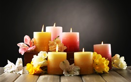 Preview wallpaper Candles and flowers