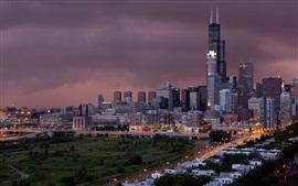 город Чикаго в ночное время, небоскребы, огни, США