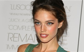 Preview wallpaper Emily Didonato 03