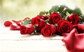 Preview wallpaper Red rose flowers, bouquet, romantic