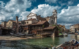 Preview wallpaper Venice, town, shipyard, Italy, river, houses