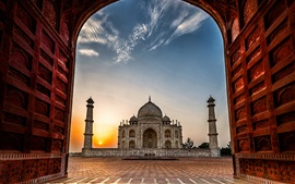 Preview wallpaper India, Taj Mahal, mosque, gate, dawn