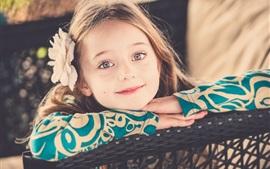 Прекрасная маленькая девочка, улыбка