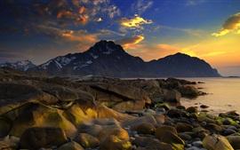 Aperçu fond d'écran Mer, côte, pierres, montagnes, nuages, coucher soleil