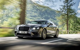 2018 суперкар Bentley Continental GT в скорости