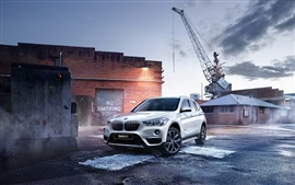 Preview wallpaper BMW X1 F48 white SUV car