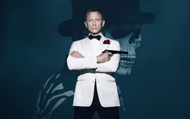 James Bond, ropa blanca, 007