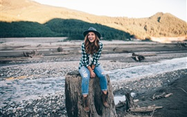 Preview wallpaper Smile girl, hat, jeans, stump