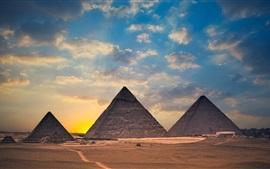 Egipto, pirámides, puesta del sol, nubes, desierto