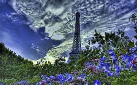 Aperçu fond d'écran Tour Eiffel, Paris, France, arbres, fleurs, nuages, crépuscule