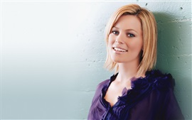 Preview wallpaper Elizabeth Banks 03