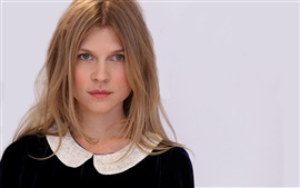Preview wallpaper Clemence Poesy 04