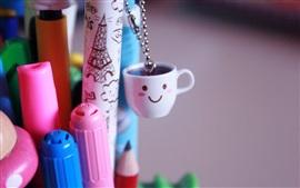 Lápices de colores, decoración, taza