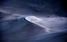 Deserto, pessoas, crepúsculo