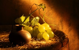 Preview wallpaper Green grapes, bottle