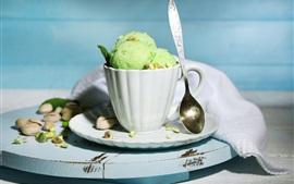Una taza de helado, postre de verano