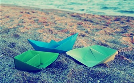 Origami, barcos de papel, mar, playa