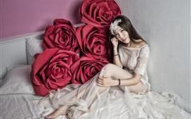 Aperçu fond d'écran Robe blanche Asiatique fille, grosse rose rouge