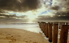 Plage, sables, mer, clôture, nuages, rayons solaires