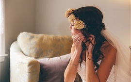 Preview wallpaper Bride, girl, wreath, flowers, makeup
