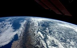 Terra, nuvens, espaço