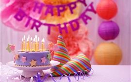 Feliz cumpleaños, pastel, decoración de colores, velas, llama