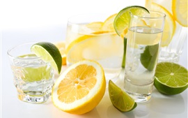 Lemon drinks, lime, glass cups