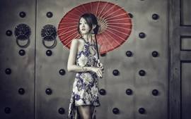 Lovely chinese girl, cheongsam, guarda-chuva