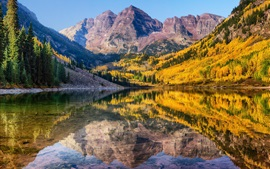 Preview wallpaper Mountain, lake, clear water, trees, autumn