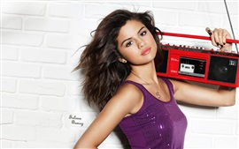 Preview wallpaper Selena Gomez 17