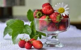 预览壁纸 草莓,玻璃杯